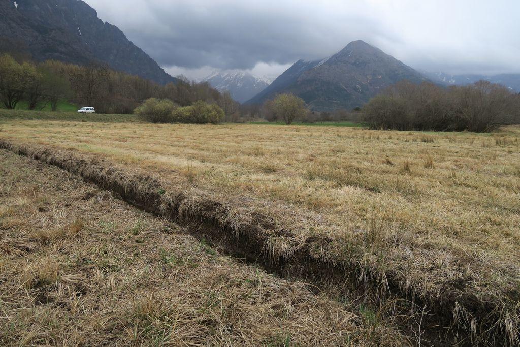 Figure 9: Drainage d'une zone humide sur le site de La Sagne, 2016.